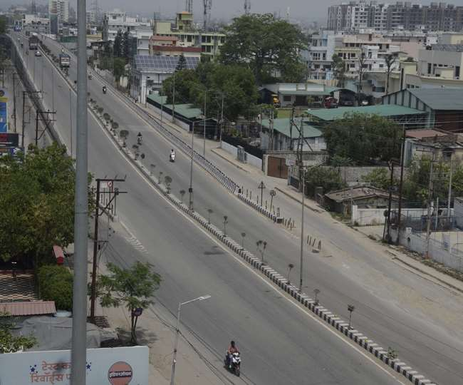 Corona curfew extended till May 6 in Dehradun, Haridwar and Udham Singh Nagar, shops will open only till 12 noon