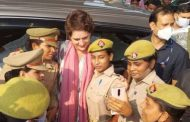 Women soldiers took selfie with Priyanka Gandhi, police commissioner set up investigation as soon as the photo went viral